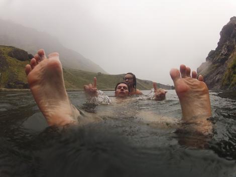 Seljavallalaug-swimming-pool-iceland 11