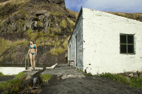 Seljavallalaug swimming pool iceland 03
