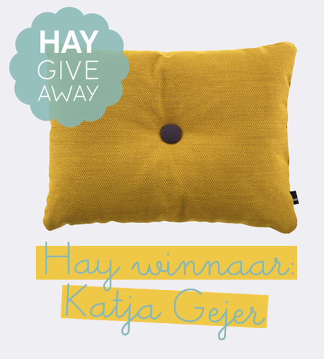 Hay give away woonblog