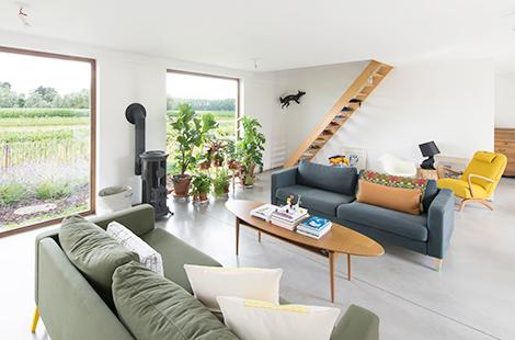 Binnenkijken in een groen huis vol vrolijk design in wachtebeke woonblog - Designer huis exterieur ...