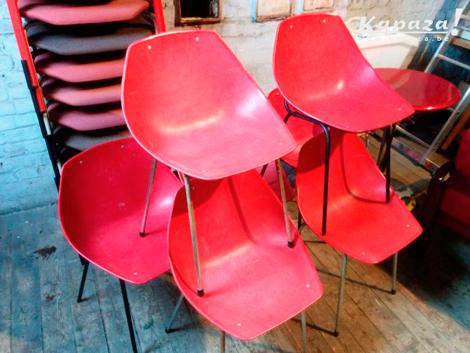 Vintage stoelen MEUROP Pierre Guariche kuipstoel